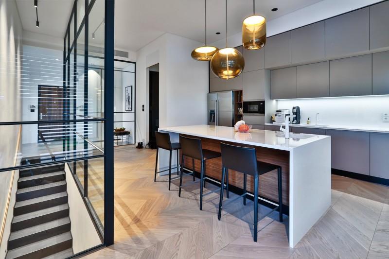 Daramis, Architects